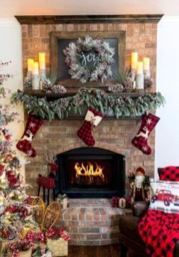 Awesome Fireplace Christmas Decoration To Makes Your Home Keep Warm 09
