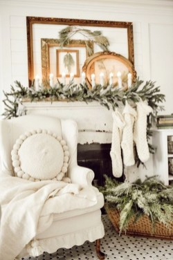 Awesome Fireplace Christmas Decoration To Makes Your Home Keep Warm 26