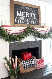 Awesome Fireplace Christmas Decoration To Makes Your Home Keep Warm 31