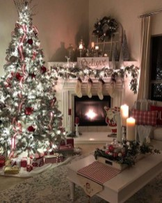 Awesome Fireplace Christmas Decoration To Makes Your Home Keep Warm 46