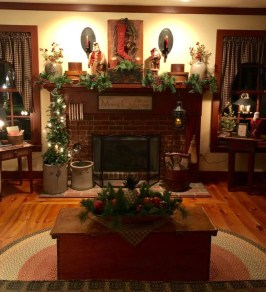 Awesome Fireplace Christmas Decoration To Makes Your Home Keep Warm 49