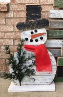 Cool Wood Christmas Decoration You Will Love 48