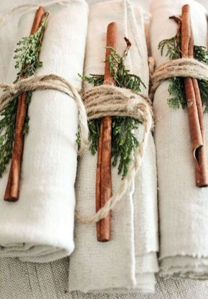 Cozy Rustic Winter Decoration For Your Home 27