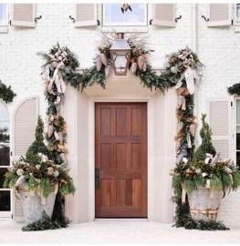 Creative Thanksgiving Front Door Decoration Ideas 11