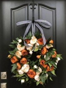 Creative Thanksgiving Front Door Decoration Ideas 31