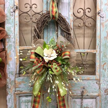 Creative Thanksgiving Front Door Decoration Ideas 32
