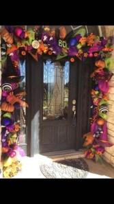 Creative Thanksgiving Front Door Decoration Ideas 54