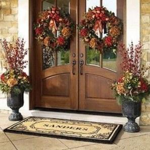 Creative Thanksgiving Front Door Decoration Ideas 55