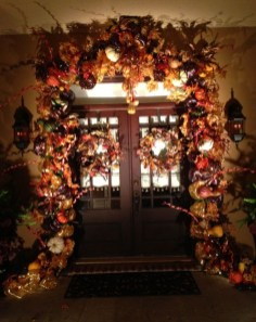 Creative Thanksgiving Front Door Decoration Ideas 57