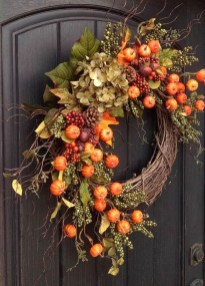 Easy DIY Outdoor Winter Wreath For Your Door 03