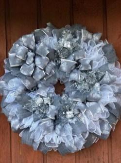 Easy DIY Outdoor Winter Wreath For Your Door 60