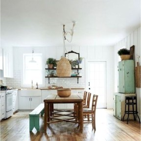 Easy Rustic Farmhouse Dining Room Makeover Ideas 27