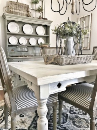 Easy Rustic Farmhouse Dining Room Makeover Ideas 28