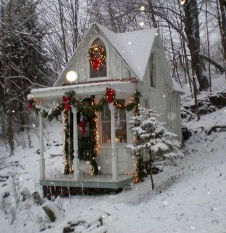 Fabulous Christmas Decoration Ideas For Small House 47