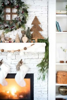 Favorite Mantel Decoration Ideas For Winter 03
