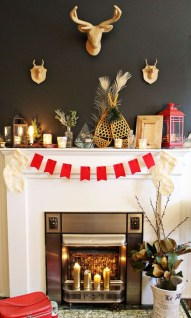 Favorite Mantel Decoration Ideas For Winter 41