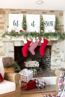 Favorite Mantel Decoration Ideas For Winter 42