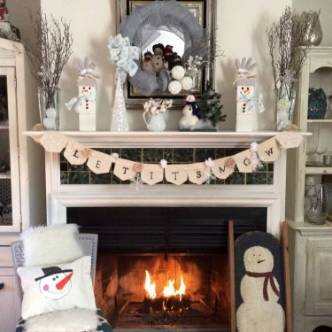 Favorite Mantel Decoration Ideas For Winter 46