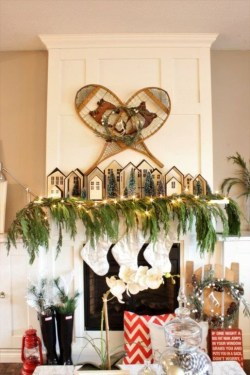 Favorite Mantel Decoration Ideas For Winter 47