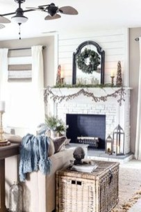 Favorite Mantel Decoration Ideas For Winter 50