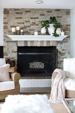 Favorite Mantel Decoration Ideas For Winter 56