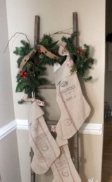 Joyful Front Porch Christmas Decoration Ideas 33
