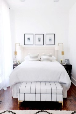 Minimalist But Beautiful White Bedroom Design Ideas 33