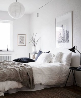 Minimalist But Beautiful White Bedroom Design Ideas 51