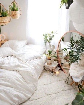 Minimalist But Beautiful White Bedroom Design Ideas 58