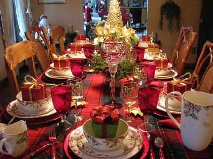 Most Popular Christmas Table Decoration Ideas 50