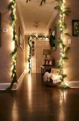 Simple And Easy DIY Winter Decor Ideas For Your Apartment 06