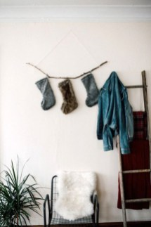 Simple And Easy DIY Winter Decor Ideas For Your Apartment 13