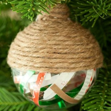 Stunning And Unique Recycled Christmas Tree Decoration Ideas 07