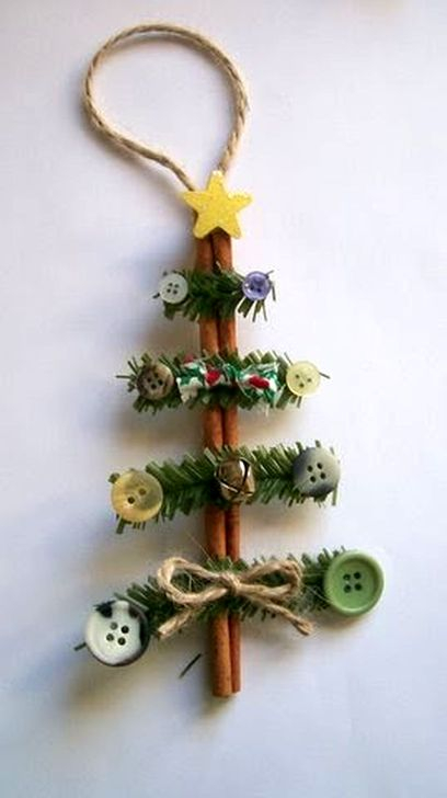 Stunning And Unique Recycled Christmas Tree Decoration Ideas 36