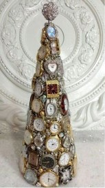 Stunning And Unique Recycled Christmas Tree Decoration Ideas 41