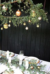 Totally Inspiring Black And Gold Christmas Decoration Ideas05