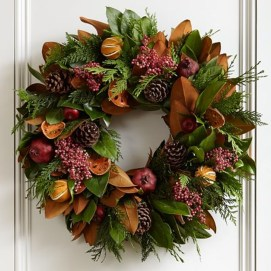 Unique Christmas Wreath Decoration Ideas For Your Front Door 13