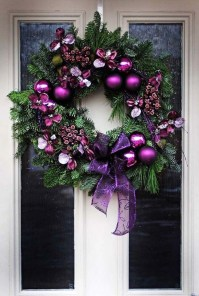 Unique Christmas Wreath Decoration Ideas For Your Front Door 49