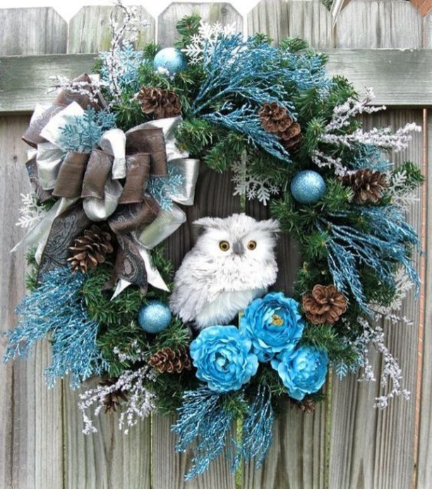 Unique Christmas Wreath Decoration Ideas For Your Front Door 59