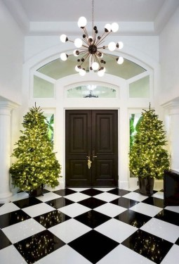 Welcoming Christmas Entryway Decoration For Your Home 25