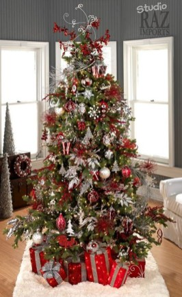 Awesome Red And White Christmas Tree Decoration Ideas 06