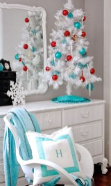Awesome Red And White Christmas Tree Decoration Ideas 22