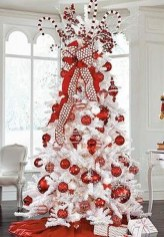 Awesome Red And White Christmas Tree Decoration Ideas 28