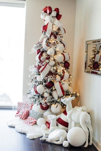 Awesome Red And White Christmas Tree Decoration Ideas 32