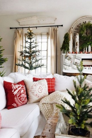 Beautiful Flower Christmas Decoration Ideas 07