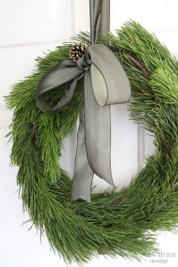 Brilliant DIY Christmas Wearth Decoration Ideas 04