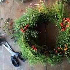 Brilliant DIY Christmas Wearth Decoration Ideas 31
