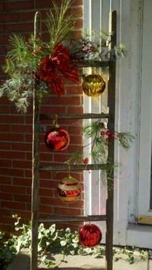 Cozy Outdoor Christmas Decoration Ideas 07