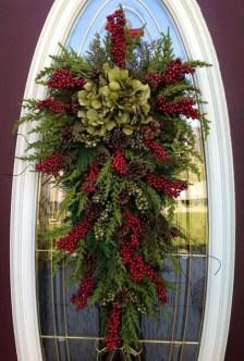 Cozy Outdoor Christmas Decoration Ideas 30