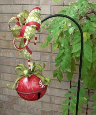 Cozy Outdoor Christmas Decoration Ideas 32